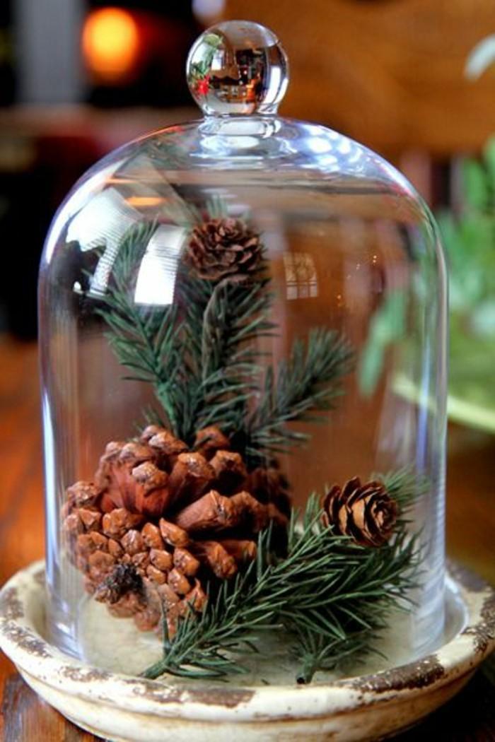 decoration-de-noel-originale-pas-cher-avec-cloche-en-verre-globe-verre-cloche-à-gateau-en-verre