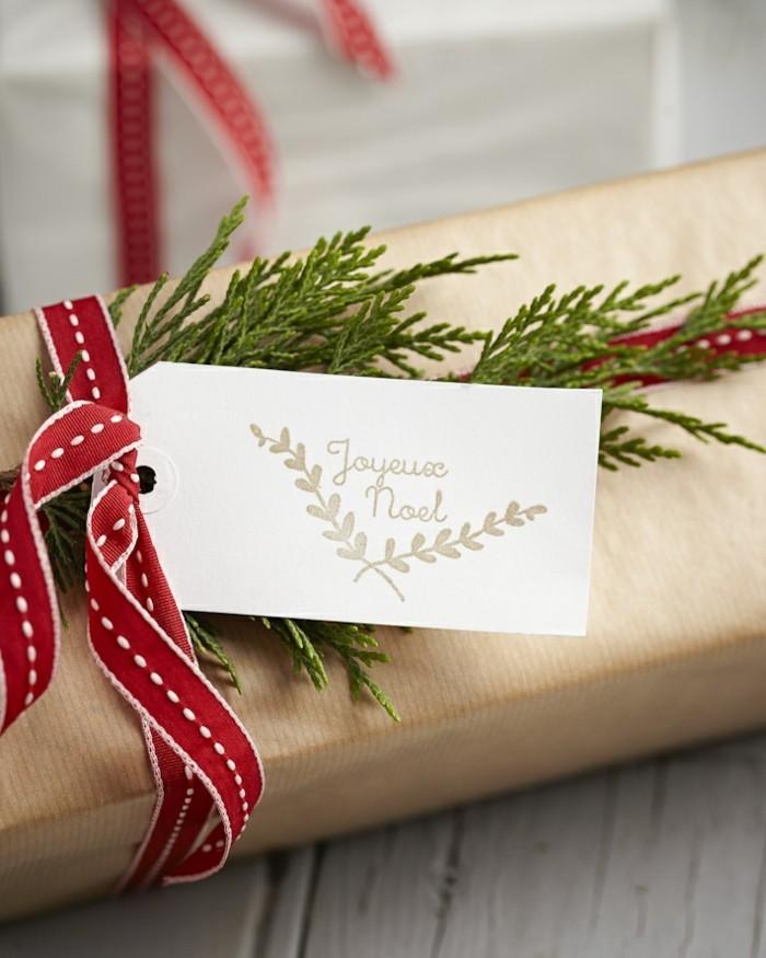 emballage-cadeau-original-belle-idée-diy-papier-à-décorer-papiers-cadeaux-originaux