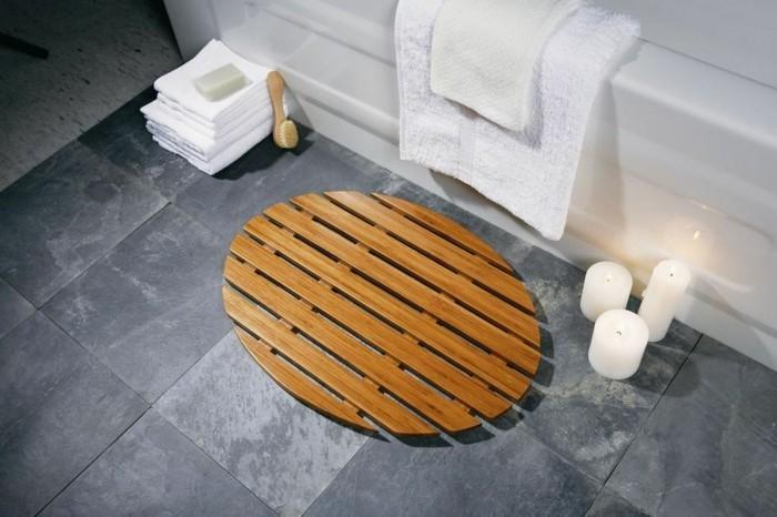 Cuisine Couleur Gris Soie : Élégant tapis de salle de bain original en noir et blanc