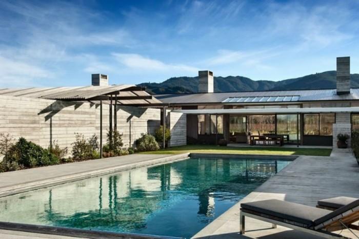 entretien-terrasse-ipe-lames-terrasse-ipe-maison-plein-pied-contemporaine-belle-piscine