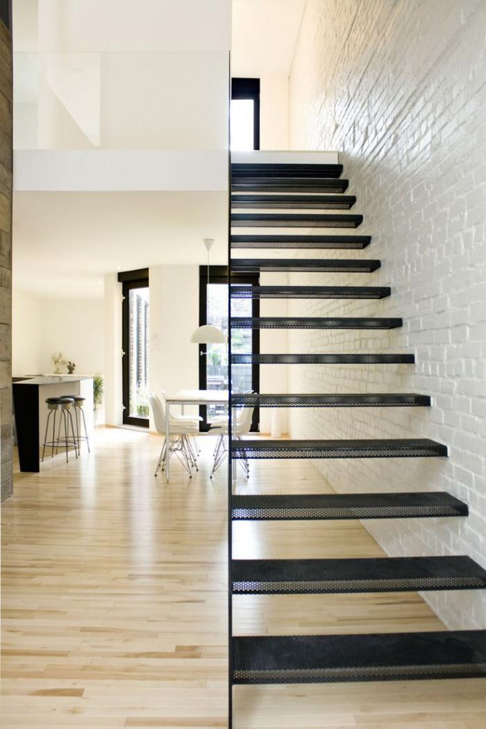 escalier-métallique-aérien-escaliers-gain-d'espace