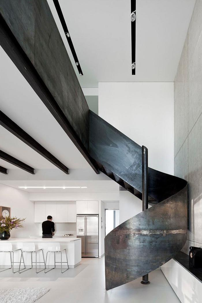 escalier mtallique avec rambarde intrieur loft tout blanc