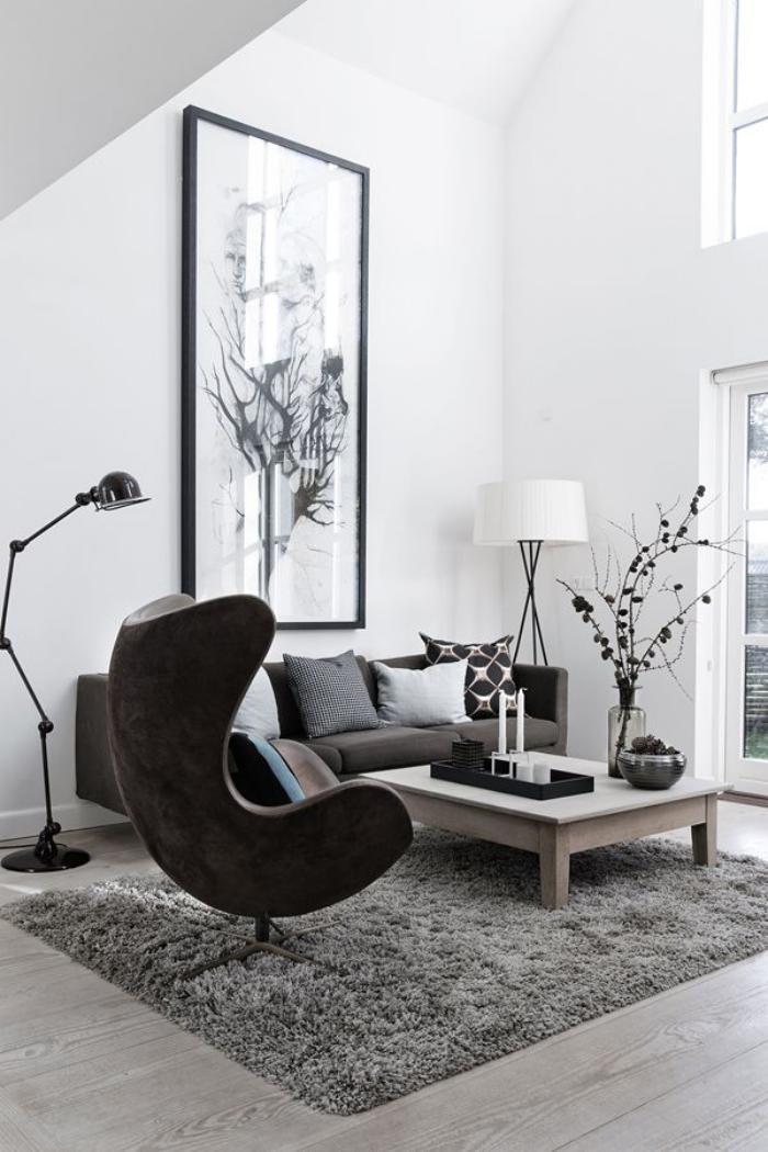 fauteuil-oeuf-fauteuil-arne-jacobsen-table-basse-en-bois