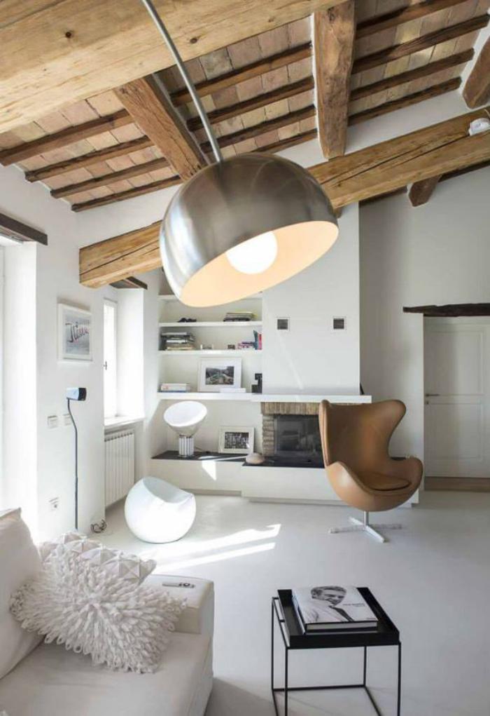 fauteuil-oeuf-poutres-apparentes-design-grand-lampadaire-arc