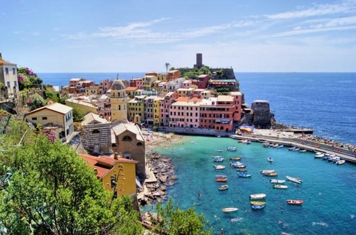 genoa-cinque-terre-in-genoa-les-plus-belles-villes-en-italie-resized