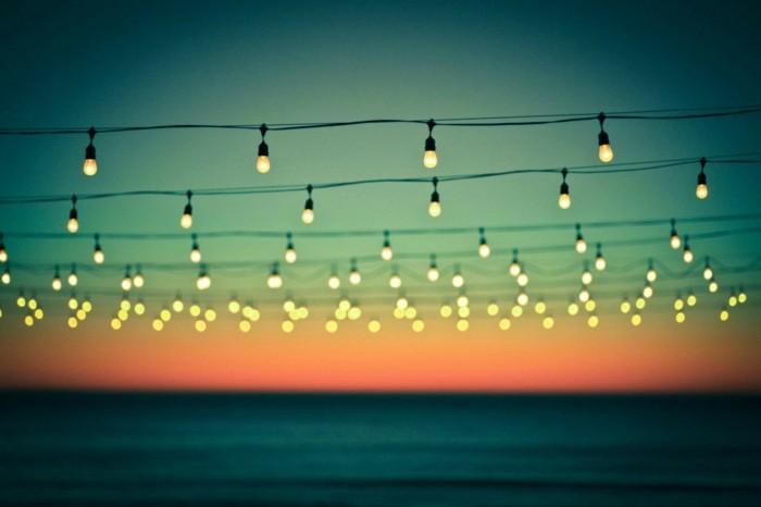 guirlande-lumineuse-boule-exterieur-idée-déco-guirlande lumineuse boule