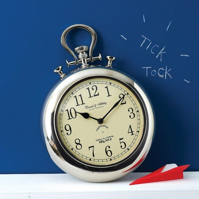 idée-déco-horloge-murale-géante-horloge-géante-design-intérieur-montre-grande