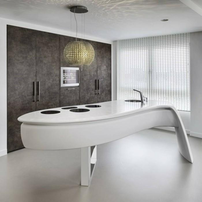 ilot-centrale-cuisine-ikea-arrondie-plan-de-travail-arrondi-en-bois-blanc-dans-la-cuisine-moderne