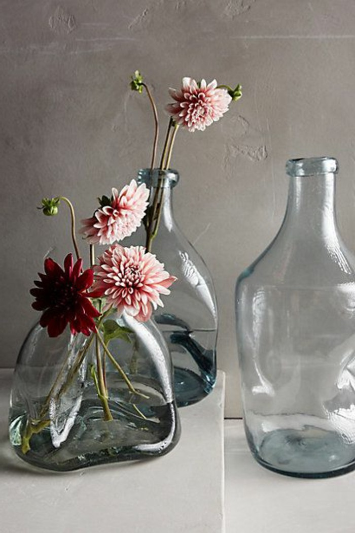 le grand vase en verre dans 46 belles photos. Black Bedroom Furniture Sets. Home Design Ideas