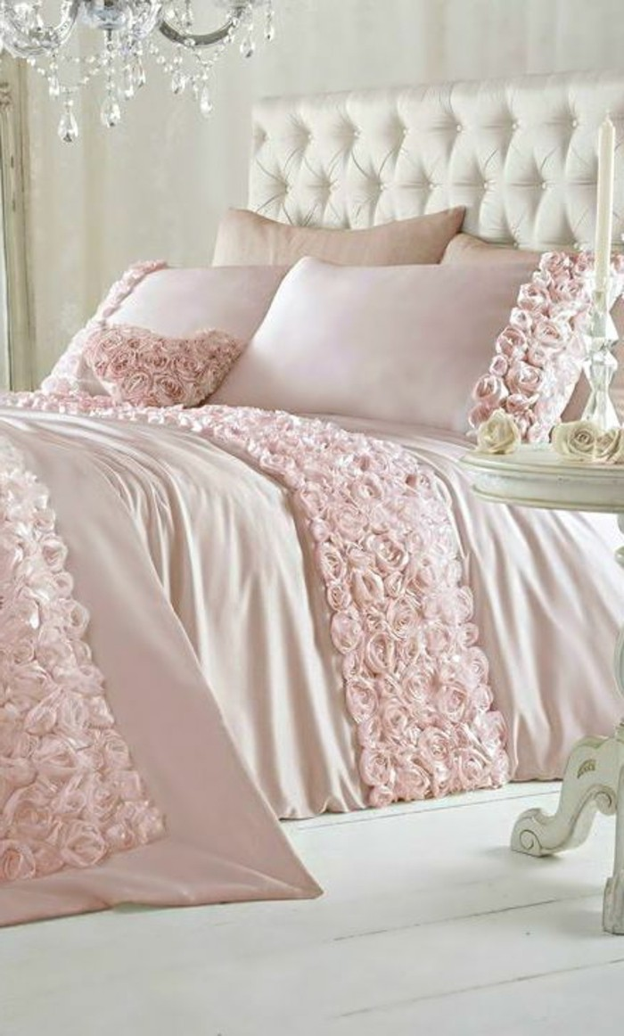 joli-design-de-la-tete-de-lit-captionnée-de-couleur-blanc-comment-trouver-le-meilleur-design-de-la-tete-de-lit