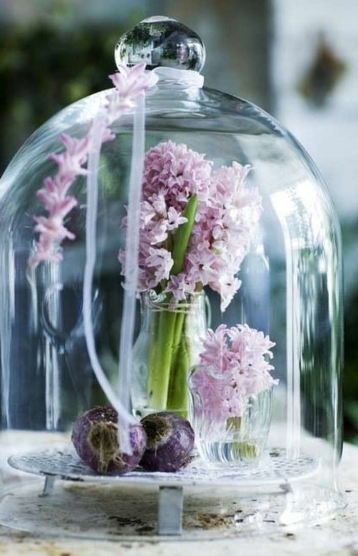 jolie-decoration-de-noel-avec-globe-verre-cloche-à-gateau-en-verre-deco-noel-pas-cher-originale