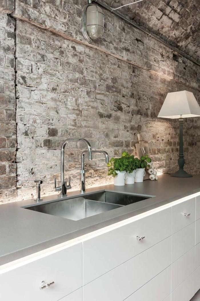 La lampe design en 44 photos magnifiques - Cuisine mur en pierre ...