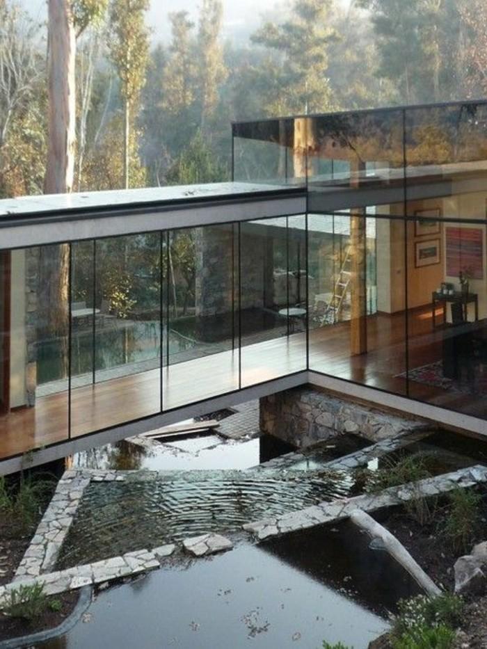 jolie-maison-contemporain-avec-grandes-fenetres-en-verre-veranda-bioclimatique-pergola-bioclimatique