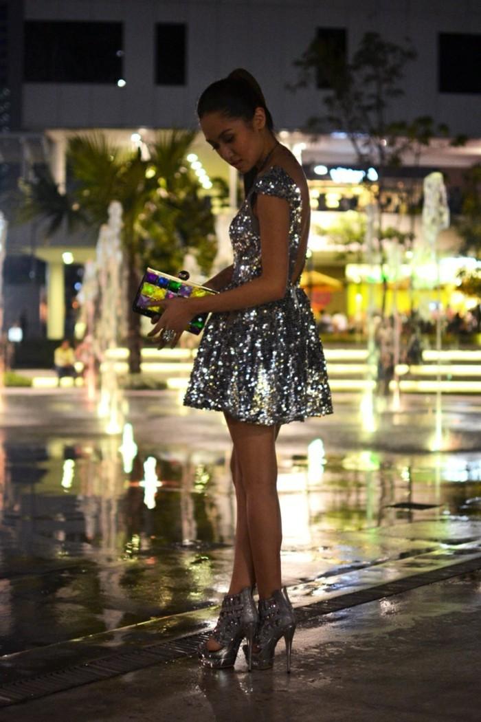 jolie-robe-de-soirée-mango-robe-pour-le-nouvel-an-talons-en-argent-paillet-gris