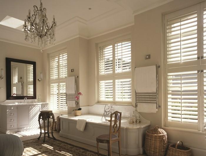 Voyez les meilleures options en 41 photos for Meuble salle de bain porte persienne