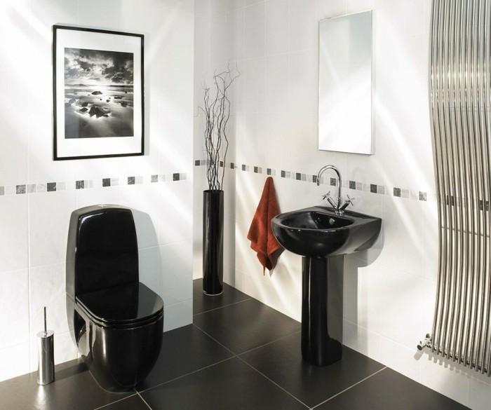 jolies-modeles-salles-de-bain-modele-salle-de-bain-italienne-carrelage-noir-sur-le-sol-dans-la-salle-de-bain