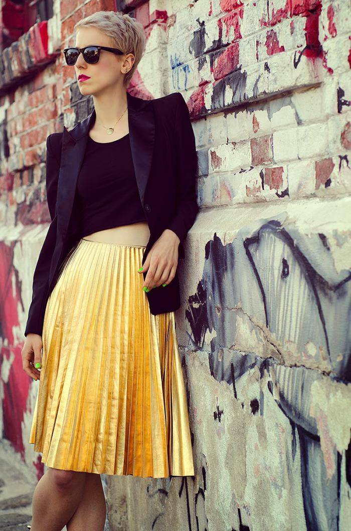 jupe-plissée-jaune-haute-taille-tenue-originale