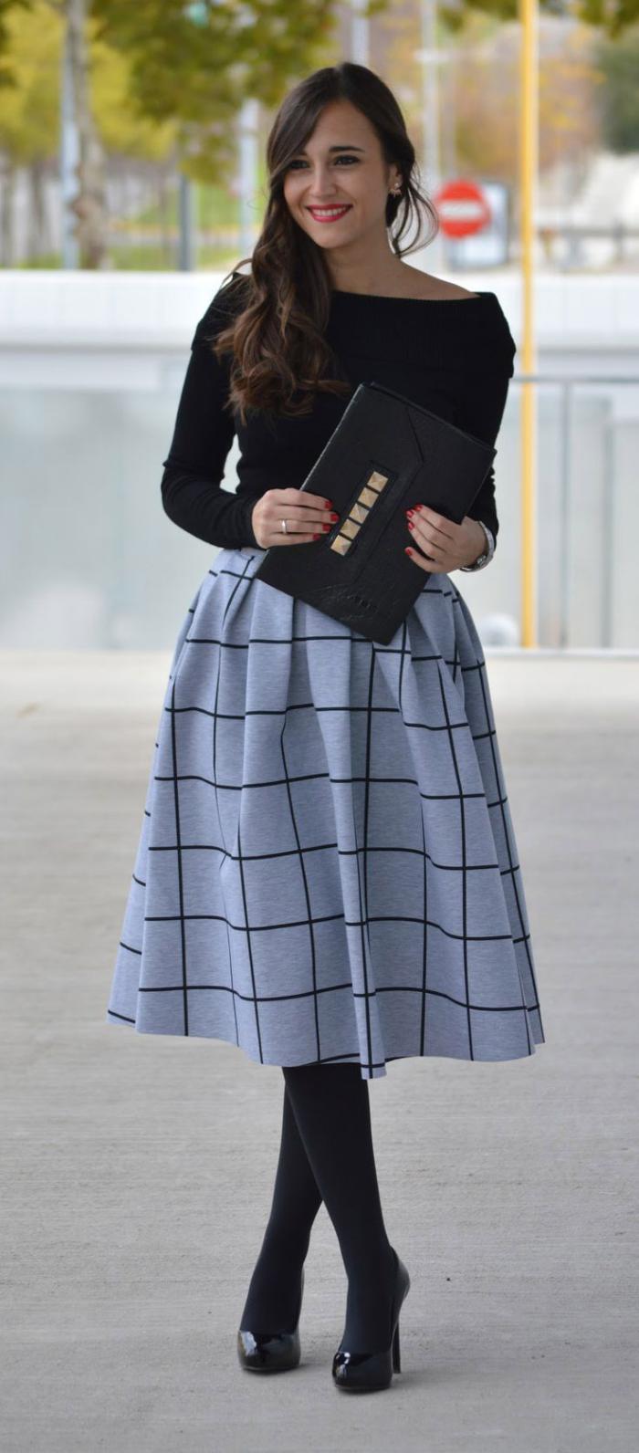 jupe-plissée-originale-un-style-impéccable-avec-la-jupe-mi-longue-plissée