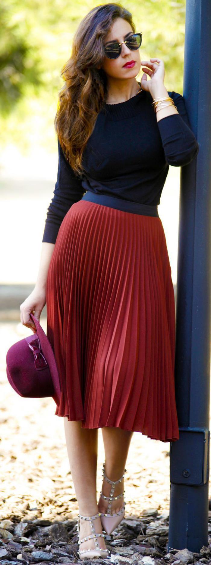 jupe-plissée-rouge-mi-longue-jupe-taille-haute