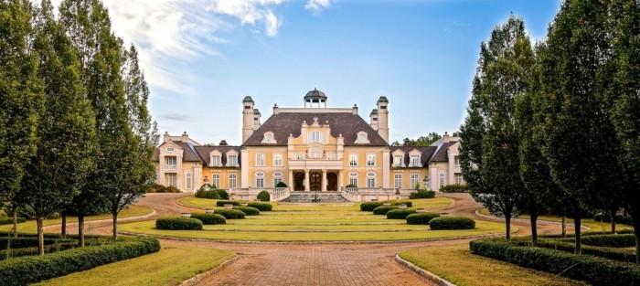 la-plus-belle-maison-du-monde-architecture-classique-castle-jardin