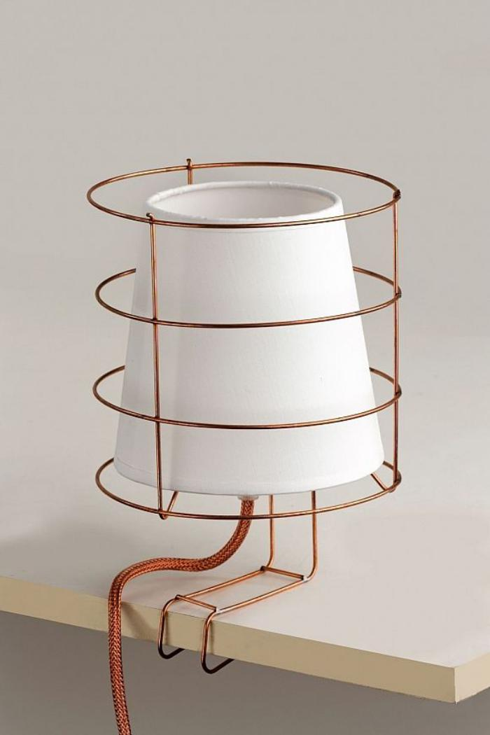 lampe-baladeuse-baladeuse-élégante-avec-beau-support-métal