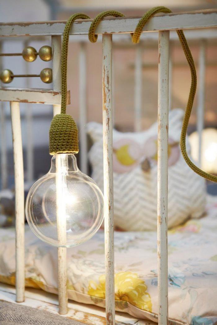lampe-baladeuse-baladeuse-tricotin-jaune-avec-ampoule