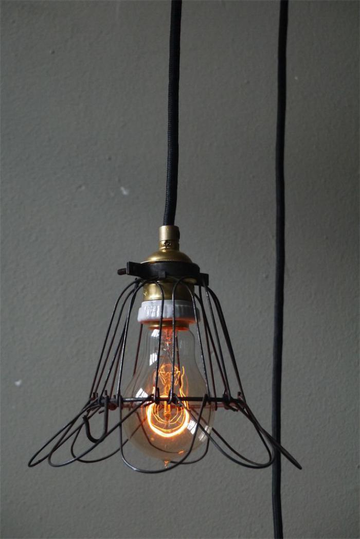 lampe-baladeuse-industrielle-éclairage-industriel