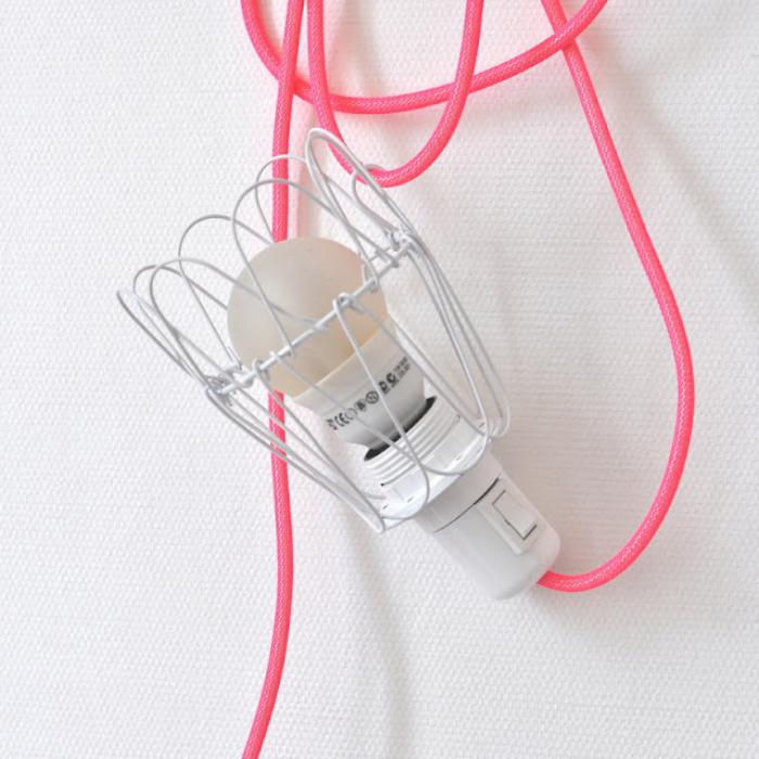 lampe-baladeuse-une-cage-décorative-tricotin-rose