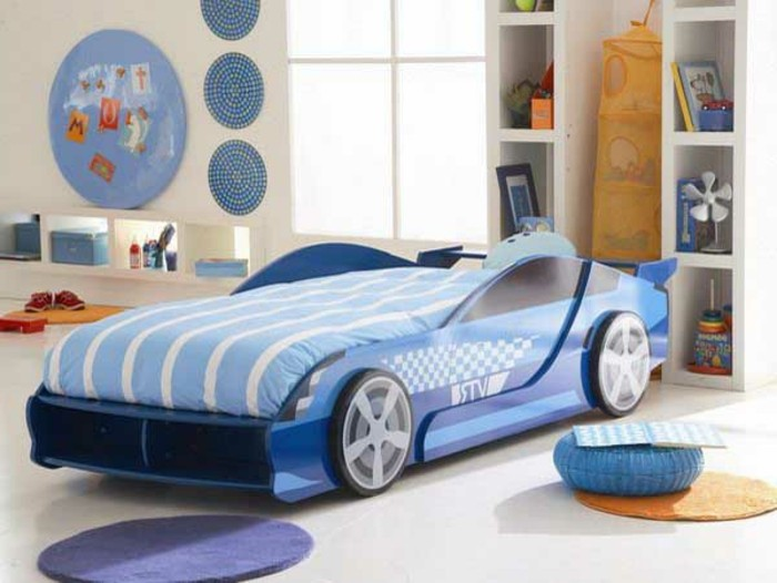lit voiture pour enfant maison design. Black Bedroom Furniture Sets. Home Design Ideas