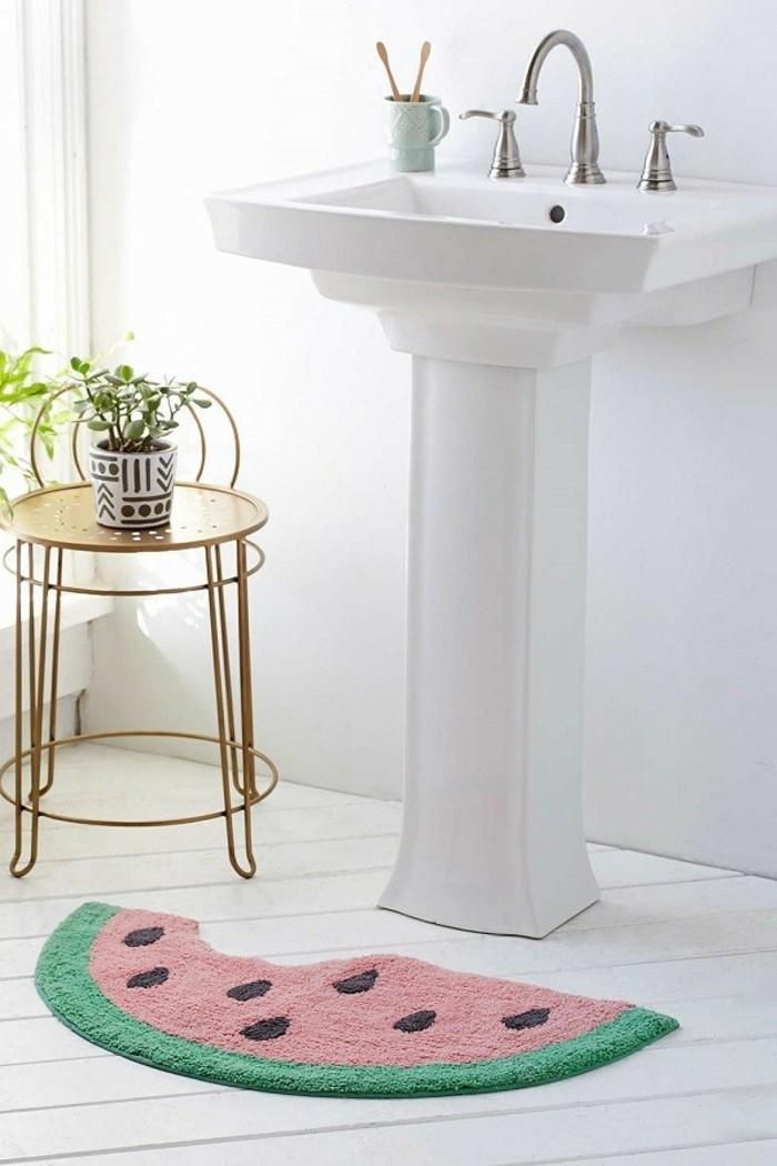 le-tapis-salle-de-bain-rond-essuie-pieds-bains-cool-idée-pastique