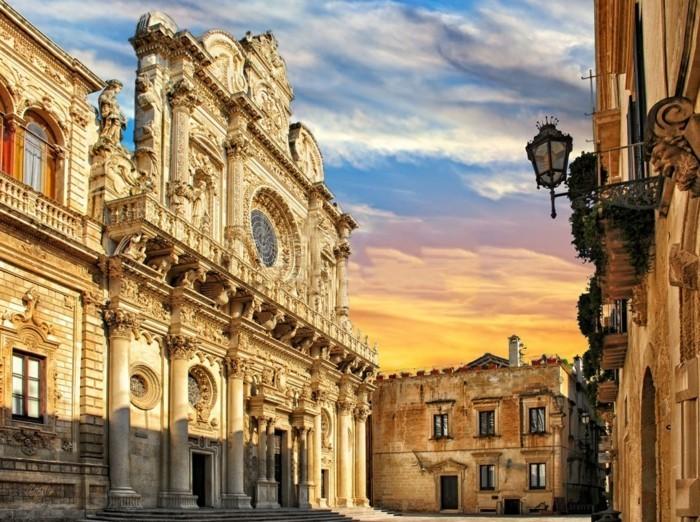 lecce-santa-croce-les-plus-belle-ville-d-italie-historique-centre-resized