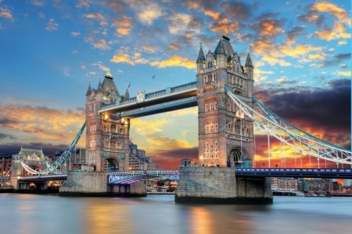 Londres-tower-pont-très-beau-au-coucher-du-soleil