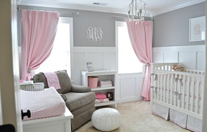 magique-lustre-design-chandelier-bébé-chambre-cool-idée