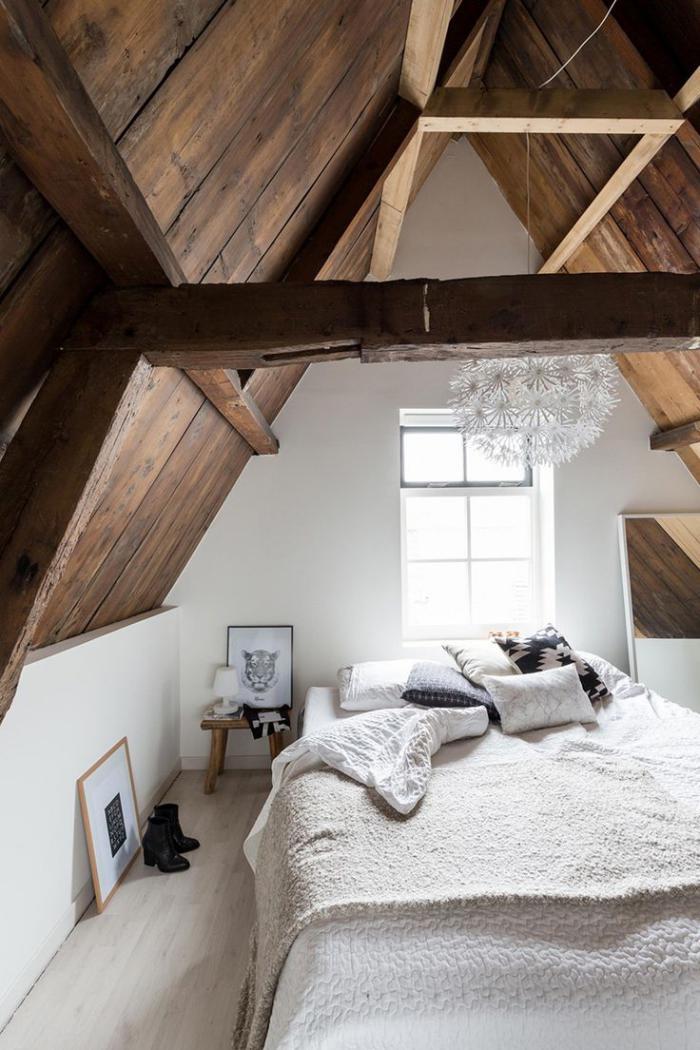 meubles-grange-intérieur-rustique-cosy-plafond-en-bois-de-grange