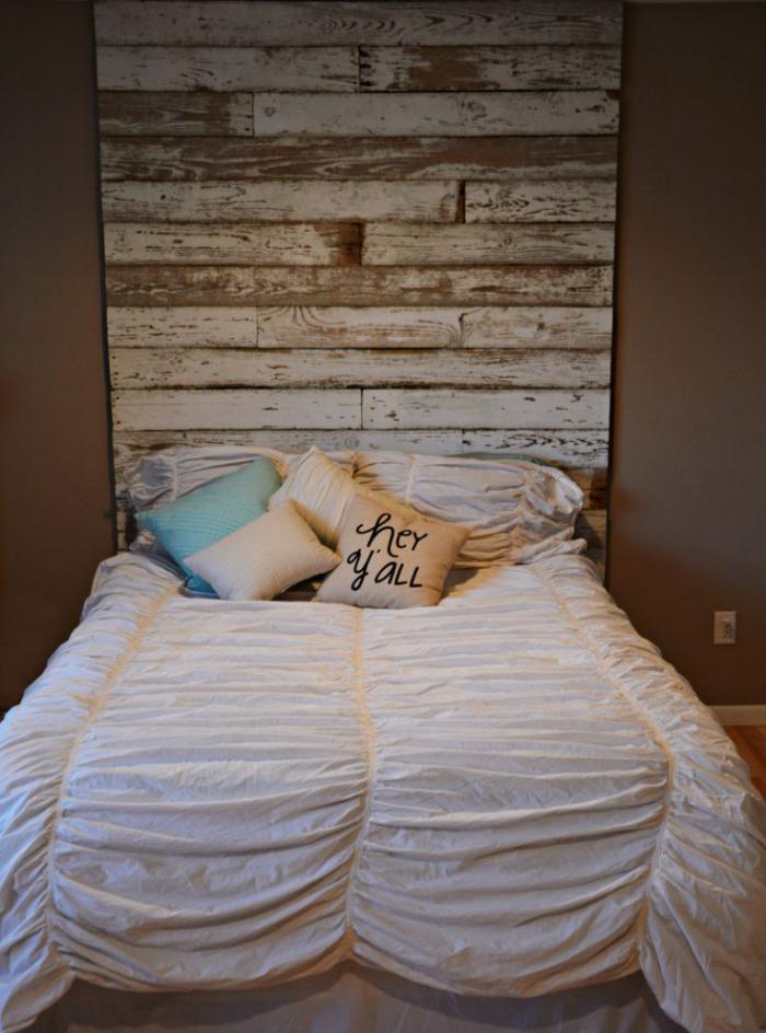 meubles-grange-réalisation-tête-de-lit-en-bois-récup