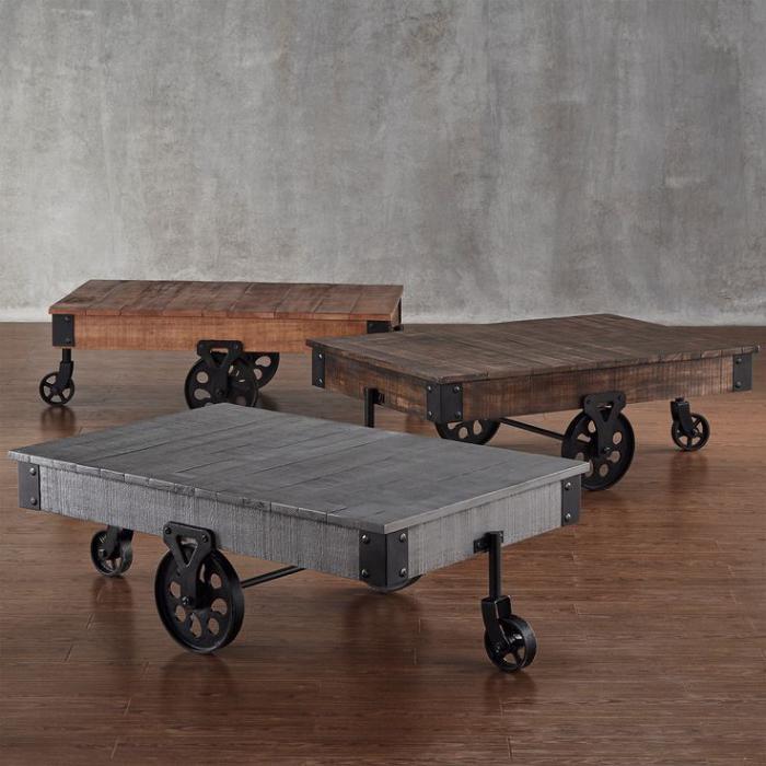 meubles-grange-trois-tables-industrielles-déco-originale