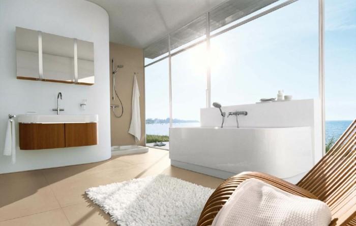 modele-salle-de-bain-baignoire-d-angle-design-magnifique-blanc-tapis-shaggy