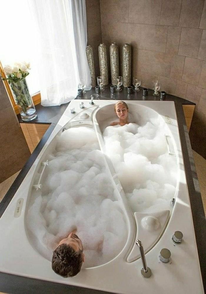 modele-salle-de-bain-baignoire-d-angle-design-magnifique-in-et-yann