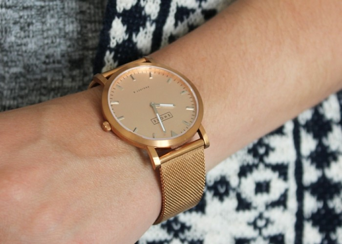montre-or-rose-homme-cool-stylé-montre-modern-cool-doree