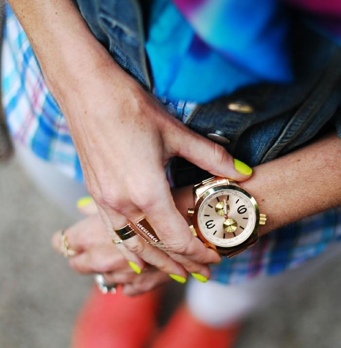 montre-or-rose-homme-cool-stylé-montre-moderne-jaune-vernis