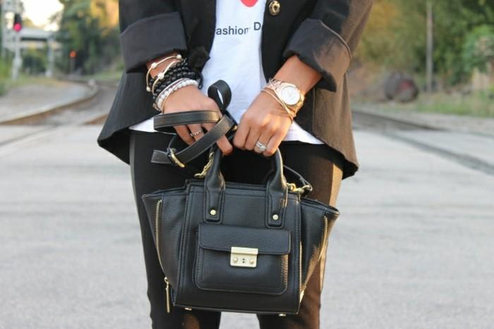 montre-or-rose-homme-cool-stylé-montre-moderne-veste-noir