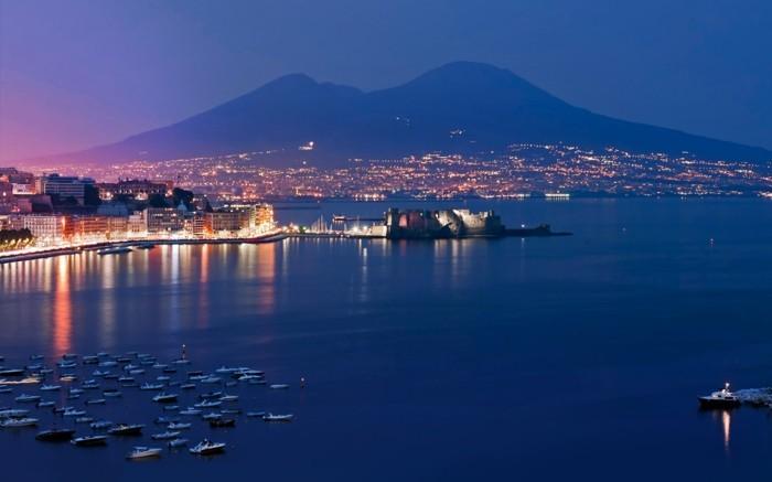 naples-les-plus-belles-villes-d-italie-à-visiter-mer-beauté-resized
