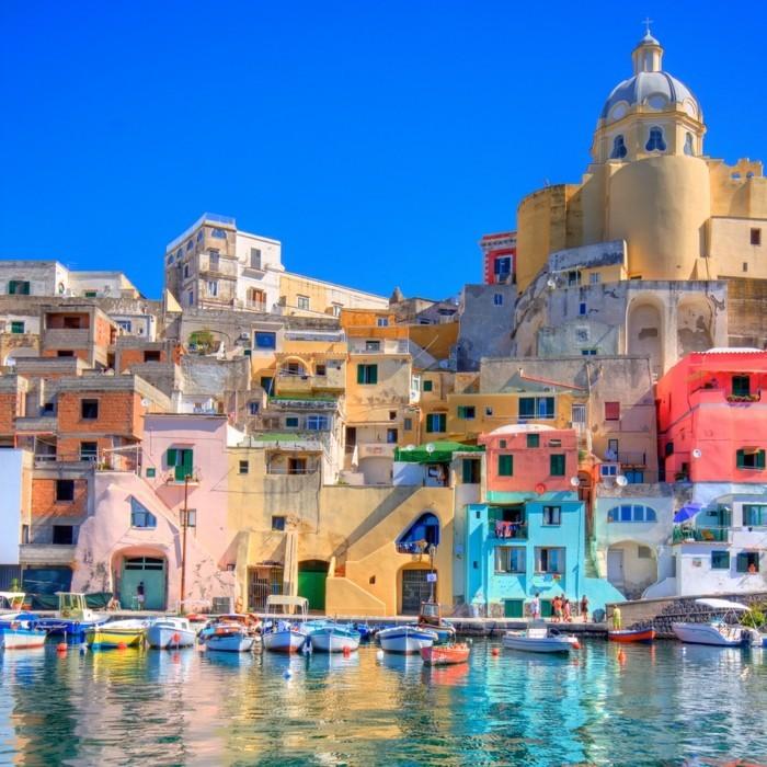 naples-les-plus-belles-villes-d-italie-Procido-à-visiter-resized