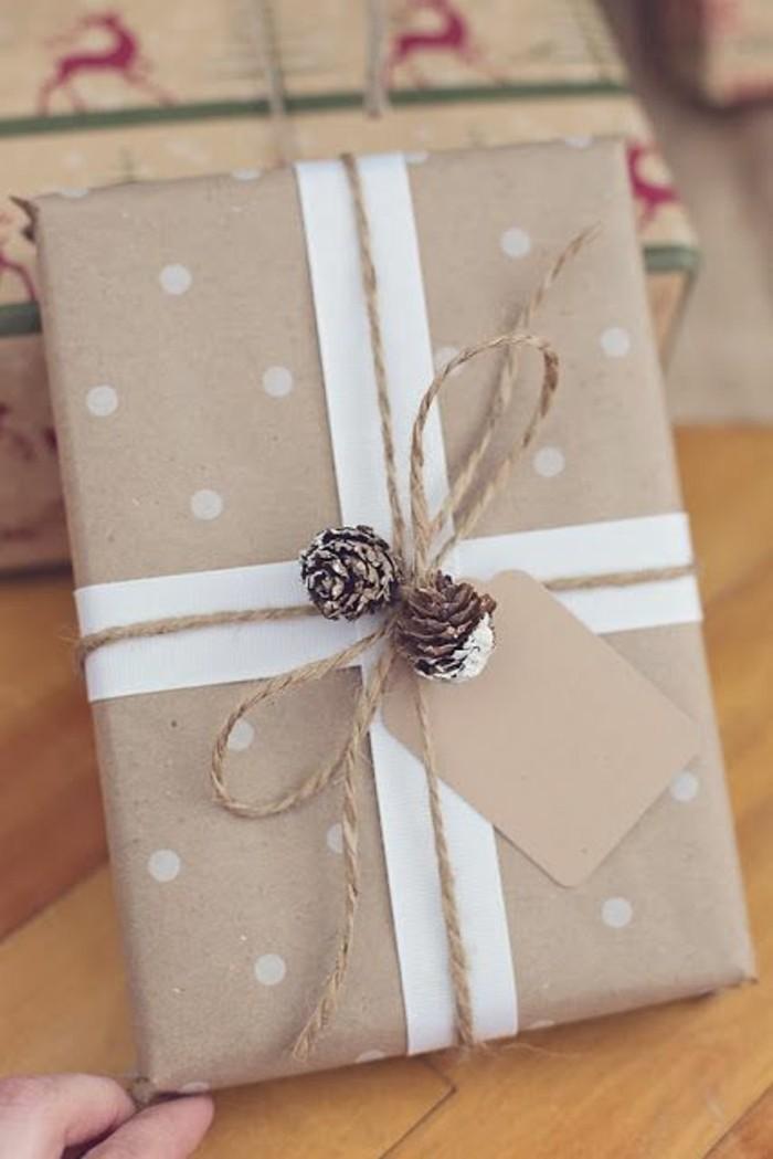 papier-cadeaux-personnalisé-cadeau-de-noël-cool-noeud-cadeau