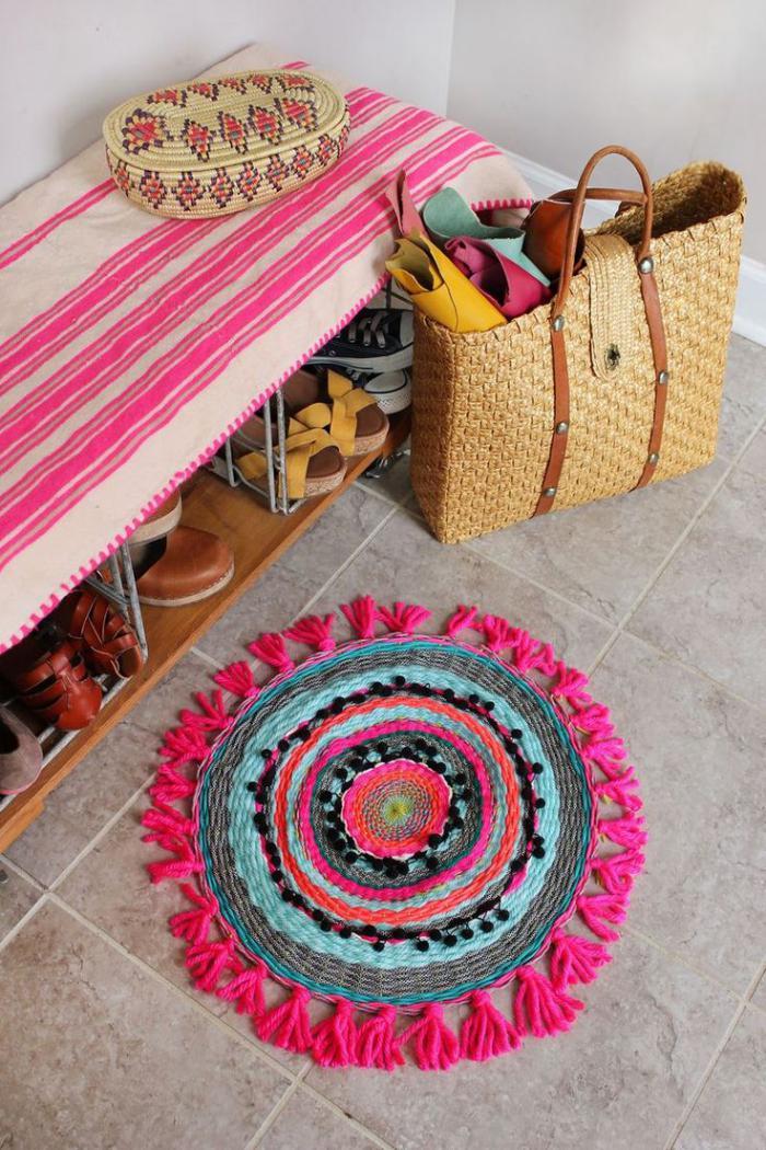 petit-tapis-rond-bariolé-tapis-d'entrée-original