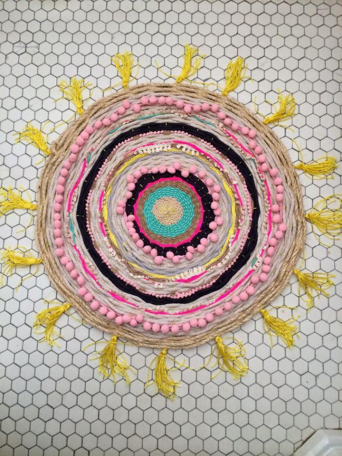 petit-tapis-rond-couleurs-vives