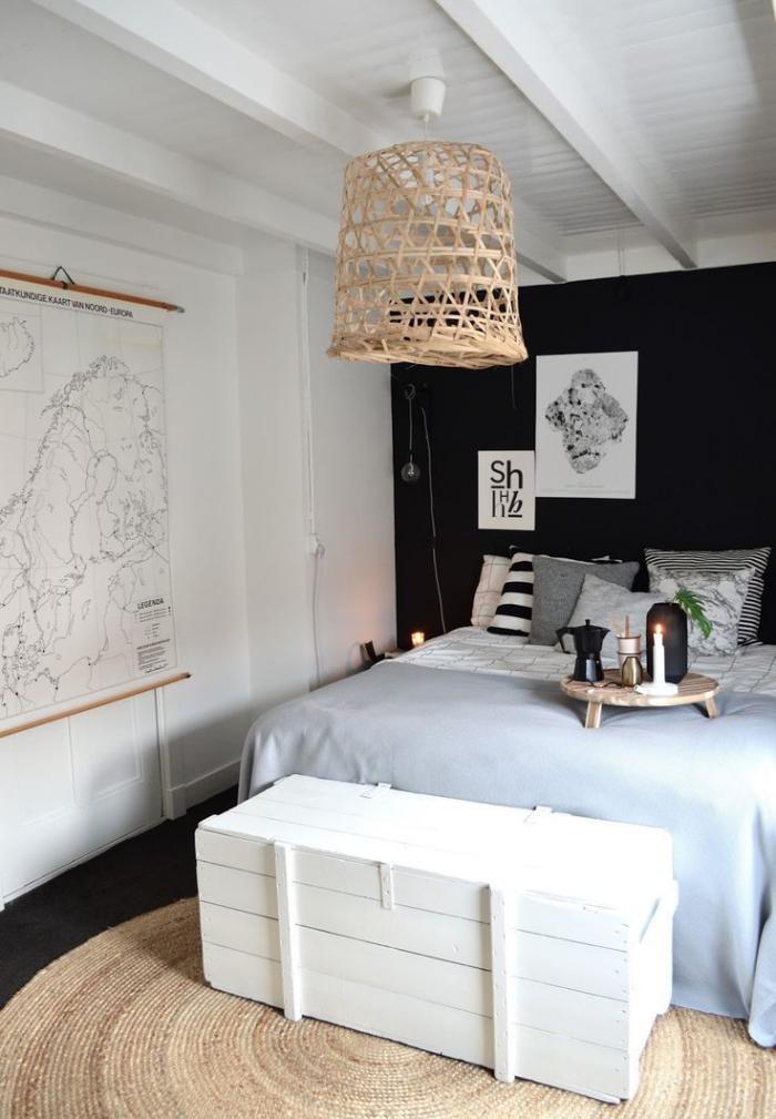 petit-tapis-rond-en-jute-chambre-à-coucher-unique