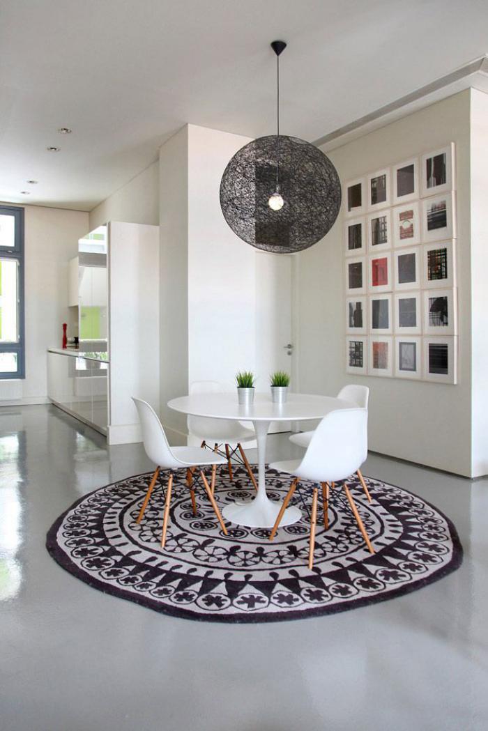 petit-tapis-rond-intérieur-scandinave-suspension-boule
