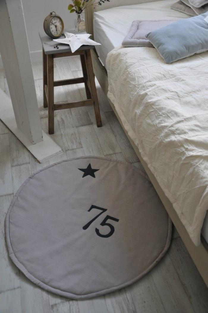 carrelage design petit tapis rond moderne design pour. Black Bedroom Furniture Sets. Home Design Ideas