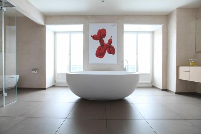 petites-baignoires-idée-design-d'intérieur-baignoire-ovale-tableau-moderne